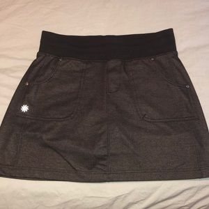 Black athleta skirt
